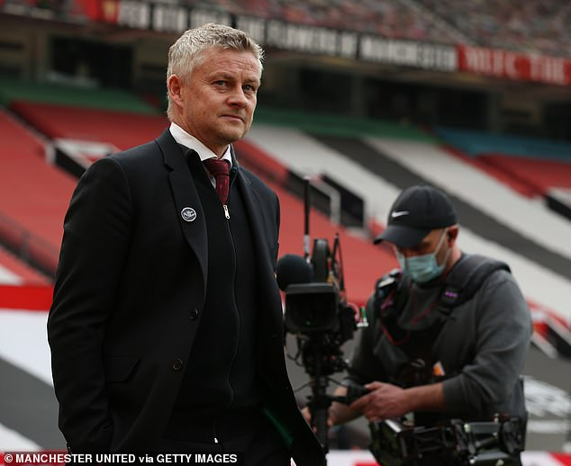 There have been suggestions Ole Gunnar Solskjaer's side will keep Cavani for another year