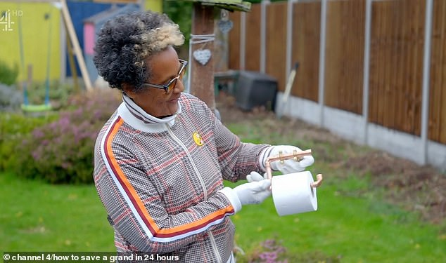 But viewers were stunned after DIY expert told Jade and Matt a toilet roll holder would cost them £120 in the shops