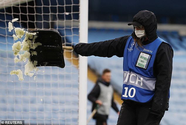 The temperature was six degrees Celsius an hour before kickoff, with 13 miles per hour winds