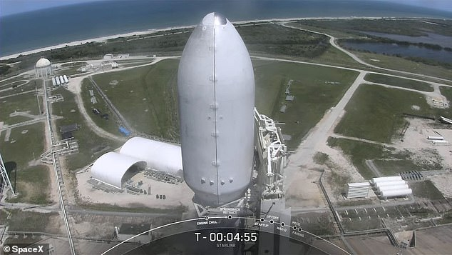 Atop the Falcon 9 rocket is the fairing carrying the new batch of 60 Starlinks