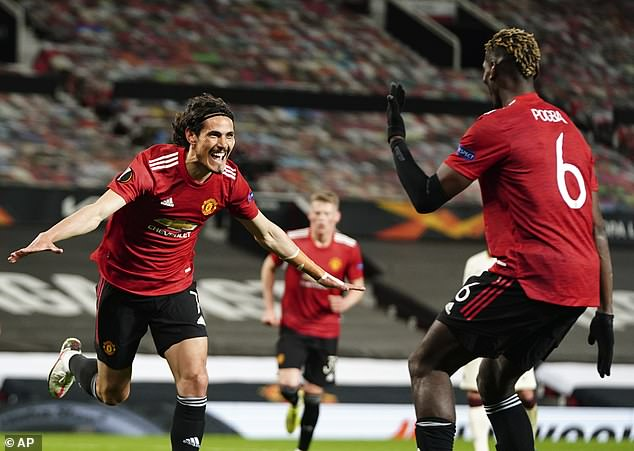 Edinson Cavani and Bruno Fernandes scored twice each to beat Roma at Old Trafford