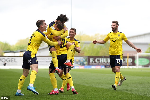 Elliot Lee netted Oxford's third of the afternoon at the Kassam Stadium in the four-goal rout