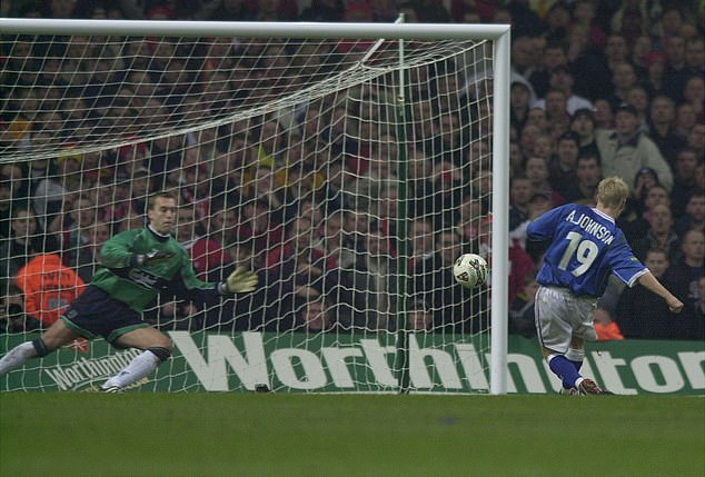 Sander Westerveld made the crucial save to deny Andy Johnson in the 2001 League Cup final