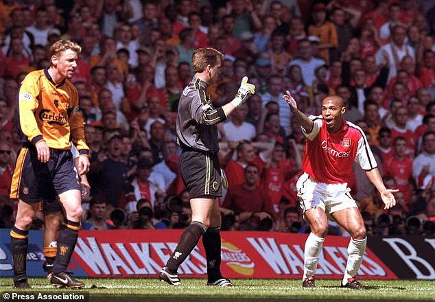 Thierry Henry appeals against Stephane Henchoz during the controversial 2001 FA Cup final