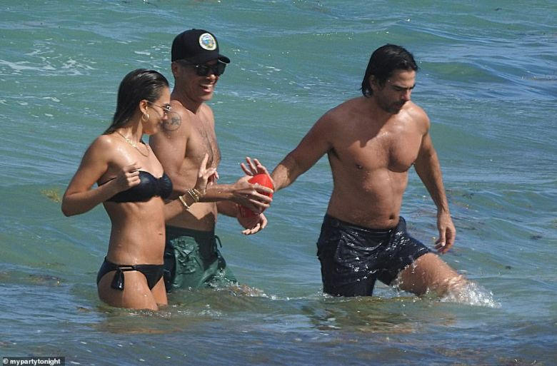 The 40-year-old actress and her beau were spotted having some fun in the sun at a luxury beachfront resort