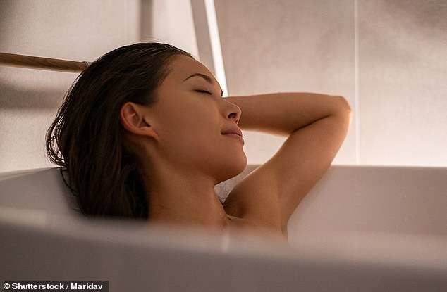 Could a hot and relaxing bath be the new way to treat depression? That¿s the theory behind a trial in which patients with depression and anxiety will be prescribed dips in hot water at temperatures of 39c to 40c
