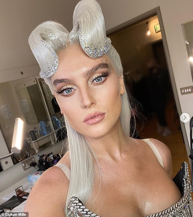 Wow: Mum-to-be Perrie looked radiant as she showcased her glowing makeup look in a selfie