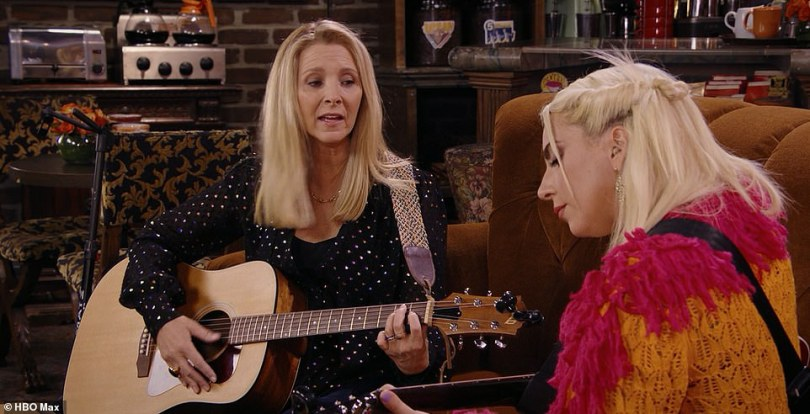 So good: The singer, 35, appeared delighted to be performing a duet with Lisa Kudrow as she rocked out to the tune, before being joined by a gospel choir