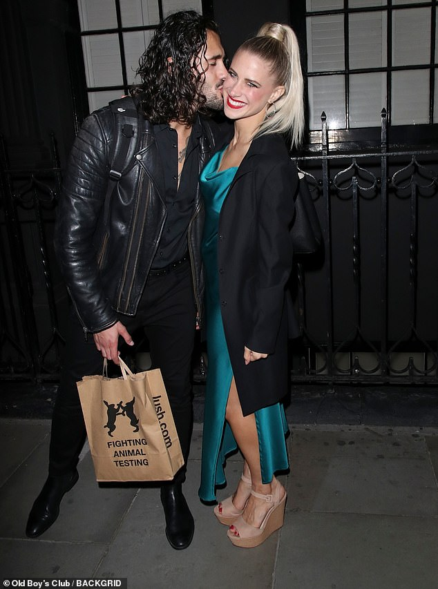Sweet!Graziano Di Prima gave his fiancée Giada Lini a peck on the cheek on Wednesday at the Here Comes The Boys show, after the couple confirmed they are postponing their wedding