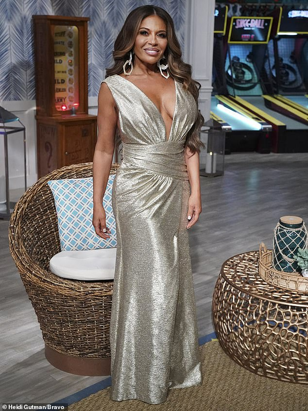 She sure was proud of her new look: The siren wore a gold gown to make the most of her new figure for the reunion