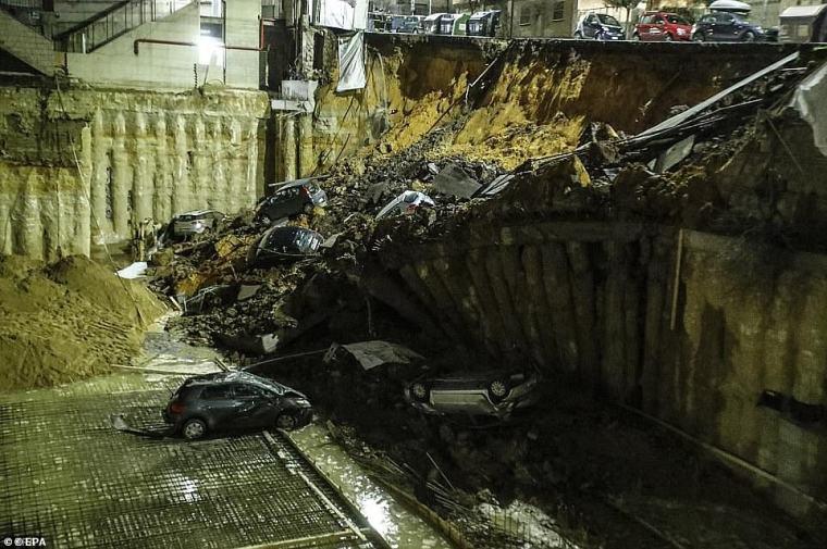 Ha habido cada vez más pedidos para que los túneles subterráneos y las canteras se apoyen para evitar más colapsos gigantescos del suelo.  En la imagen: Abismo se tragó autos en 2018