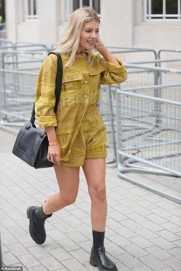 Hello sunshine:The 33-year-old former Saturdays star wowed in a mustard co-ord which she teamed with a pair of chunky black boots