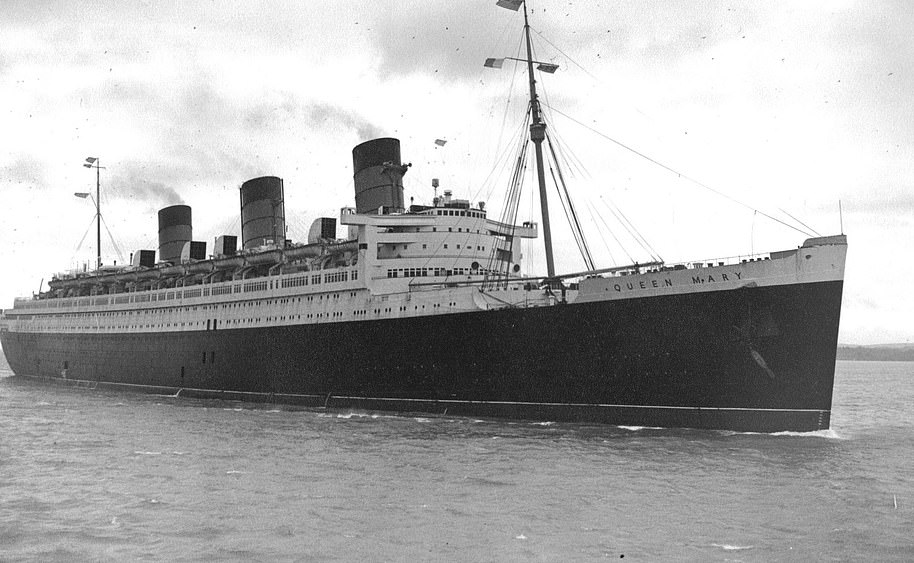 The Queen Mary's propulsion machinery produced a massive 160,000 SHP (shaft horsepower) and gave it a speed of over 30 knots
