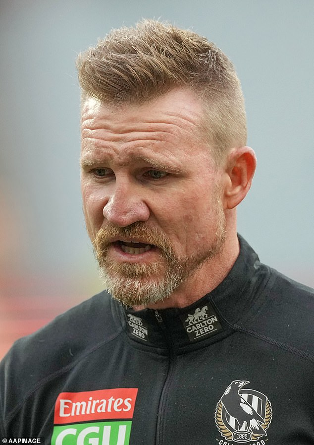 Collingwood coach Nathan Buckley has backed the besieged AFL club's incumbent board amid a leadership challenge from Jeff Browne