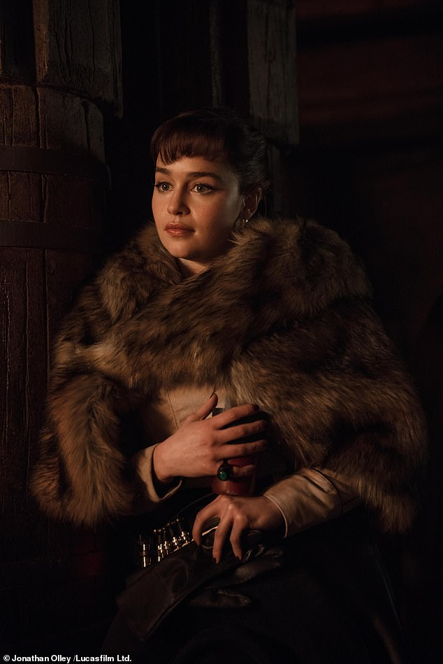 Uncertain:Fans were left uncertain about Qi'ra's relationship with Solo, after leaving him to go speak with Maul, though the comic shed some new light on the character