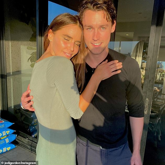 Romance:Jodi had confirmed her relationship with Sebastian last year, going Instagram official on November 21, 2020