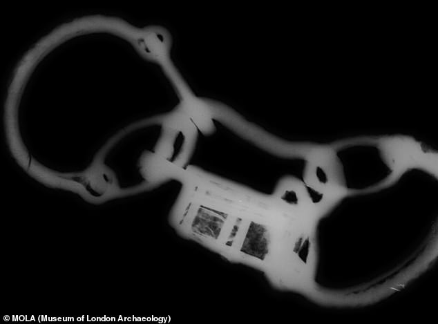 An x-ray of the Great Casterton shackles and padlock. The man's cause of death remains unknown
