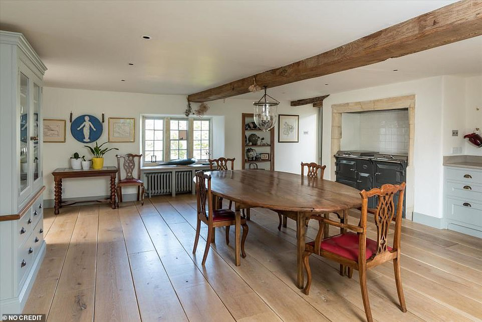 Right at home!The interior features a relaxed kitchen and aga, as well as white wooden worktops and oak flooring, with low ceilings that are a fixture of such country properties