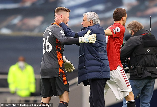 Jose Mourinho believes Dean Henderson is ready to replace David de Gea as Manchester United's No 1 goalkeeper