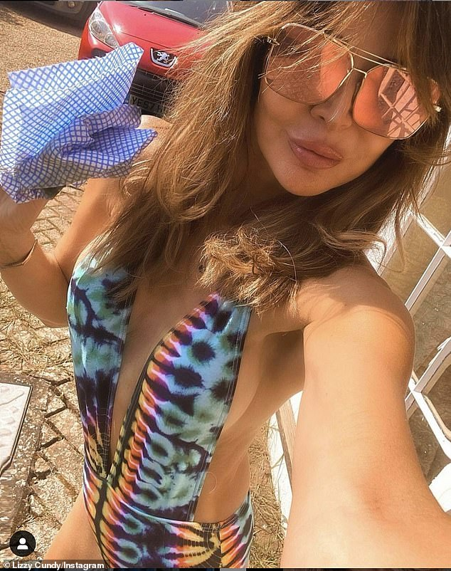 Stunning: Lizzie Cundy looked stunning again in a sizzling Instagram post she shared with her 60.7,000 followers on Wednesday