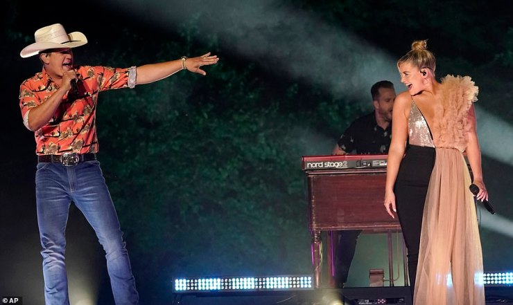 Chemistry:Jon Pardi and Lauren Alaina were next up to lean into country music's penchant for breakup songs with the aptly titled track Getting Over Him