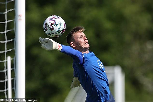 Jose Mourinho has hailed England goalkeeper Dean Henderson's 'incredible development'