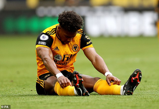 Traore has missed some early training sessions for La Roja due to an injury picked up at Wolves