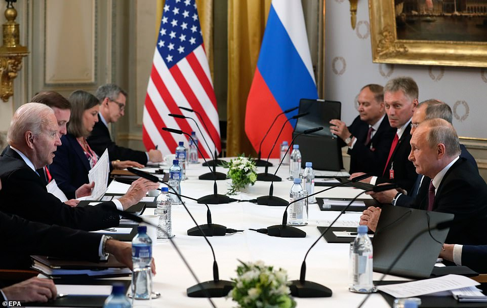 Biden and Putin during their meeting surrounded by aides at the Villa de la Grange in Geneva