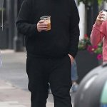James Corden shows off his incredible weight loss in loose fitting tracksuit on a coffee run 💥👩💥