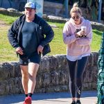 Karl Stefanovic struts his stuff in a pair of short shorts with wife Jasmine Yarbrough 💥💥