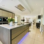 Snooker player John Higgins puts luxury Lanarkshire mansion up for sale for £825,000 💥👩💥