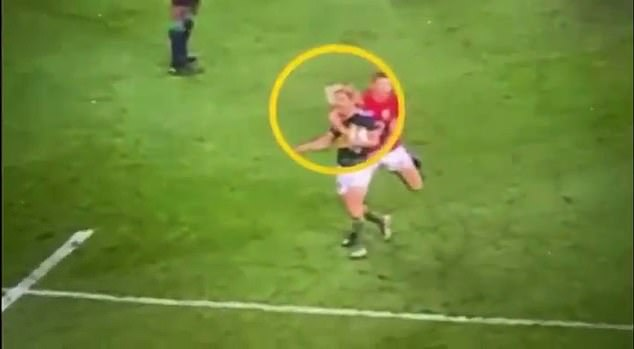 Taking to Twitter, Erasmus showed footage of Farrell being aggressive on De Klerk after the whistle