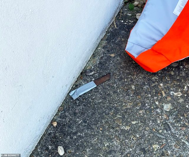 Kent Police found a three-inch Stanley blade discarded by a life vest on the floor, believed to have been carried by one of the men