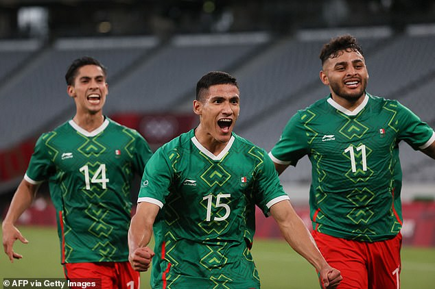 Mexico forward Uriel Antuna (center) celebrates with Alexis Vega (right) and Erick Aguirre (left) after their third goal against France