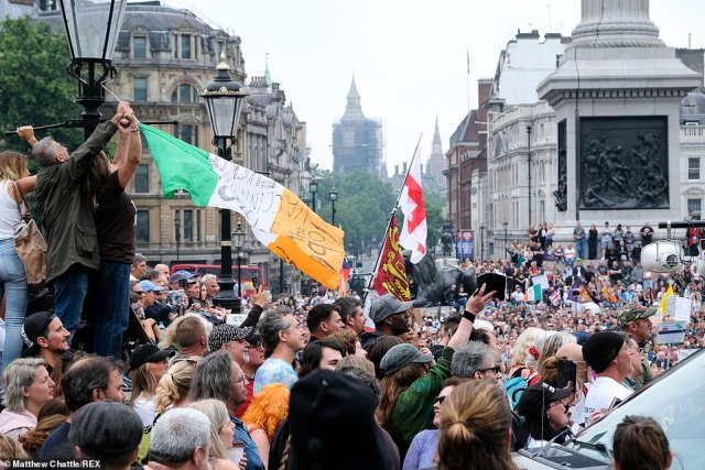 Thousands of people descended on Trafalgar Square to protest against vaccine passports