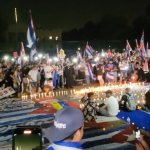 Cuban-Americans protest at WH through the night demanding Biden do more to end regime's crackdown 💥👩💥