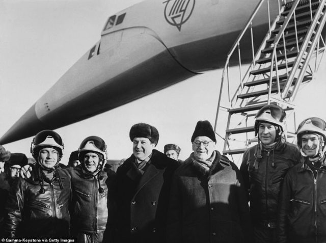 From left to right: The Tupolev Tu-144's test pilot Mikha Kozlov, the engine's commander Edouard Elian, the chief engineer A.A. Tupolev, the academician A.N. Tupolev and engineers Vladimir Benderov and Yuri Seliverstov