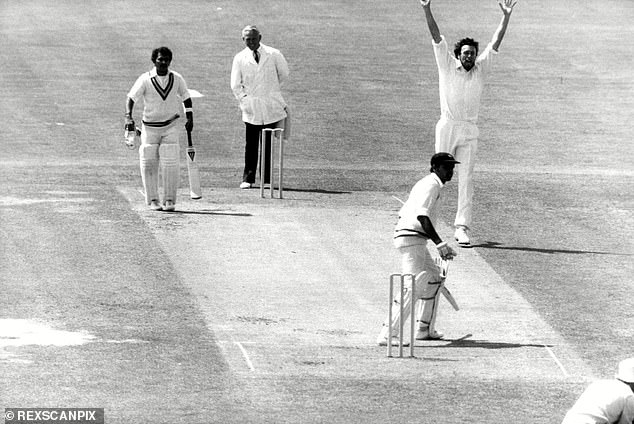 Mike Hendrick, who has died at the age of 72, with arms aloft after dismissing India's Dilip Vengsarkar at Lord's during their tour of England in 1979