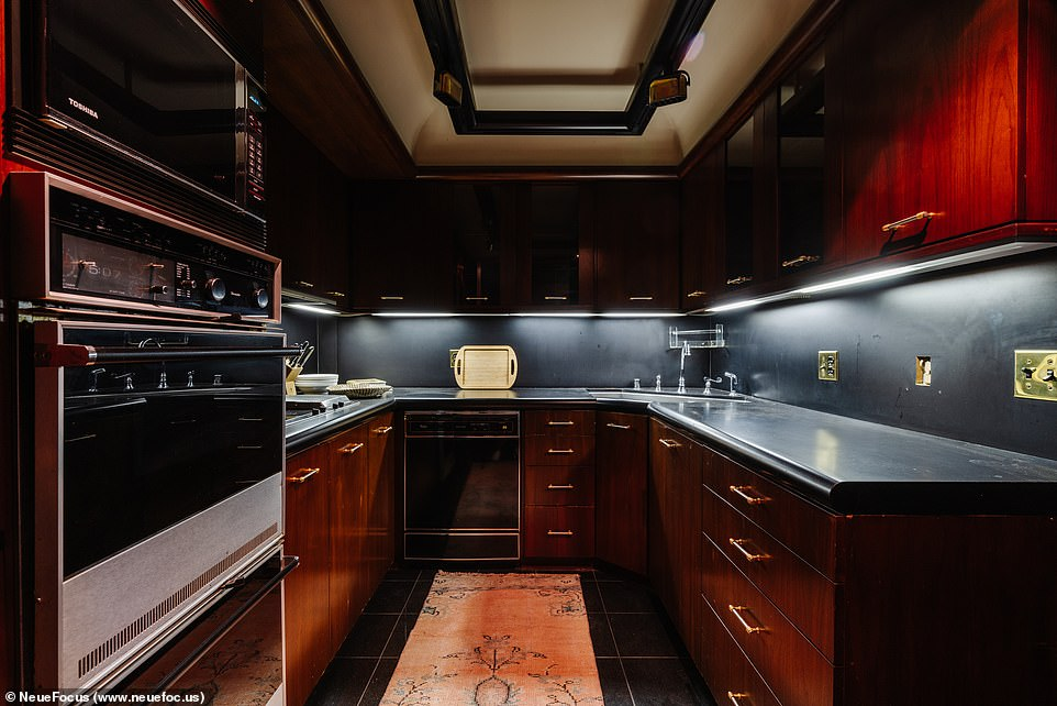 Cook Something: A Compact Kitchen Packs Up With Elite Appliances