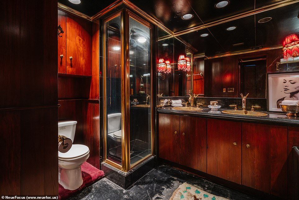 Master bathroom: Him and her sinks in the bathroom mean overnight guests are welcome