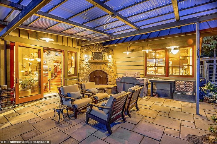 Al fresco: There are plenty of stunning outside areas for entertaining guests and friends
