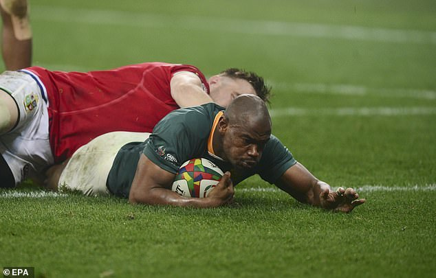 Makazole Mapimpi scored South Africa's first try in their 27-9 victory against the Lions