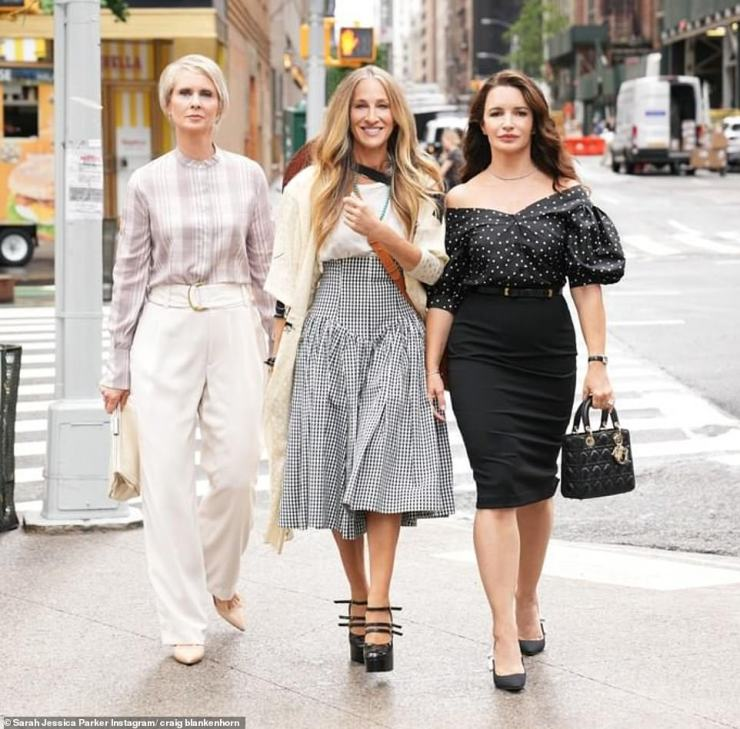Sarah Jessica Parker with husband Matthew Broderick and their twins