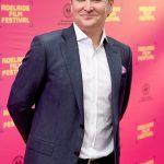 Super-rich Australian hedge fund founder leaves hotel quarantine after three days 💥👩💥