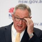 Health minister Brad Hazzard mumbles response to journalist's reasonable Covid question 💥👩💥