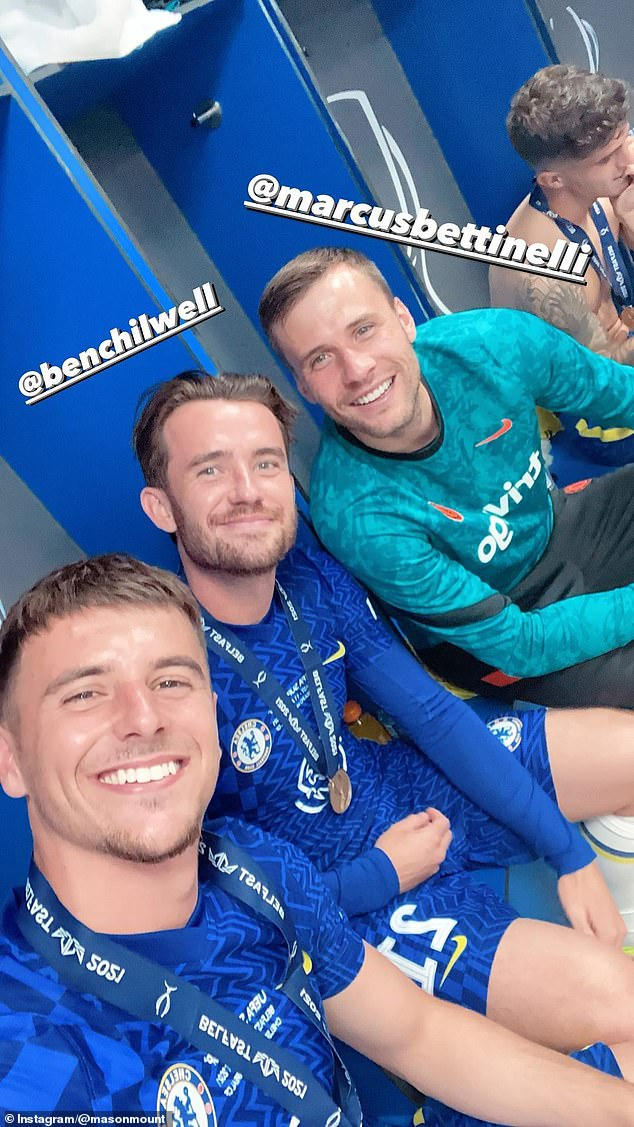 Mount also captured a moment with Ben Chilwell and newly-arrived stopper Marcus Bettinelli