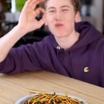 Morgan Hipworth shares his simple recipe for the 'best instant noodles' 💥👩💥