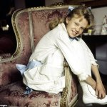 How little Hayley Mills outshone her film star father to conquer the world💥👩💥💥👩💥