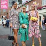 Glamorous revellers sport in flirty frocks at York Races💥👩💥💥👩💥