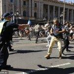 Coronavirus Australia: Melbourne's anti-lockdown protest is most violent in 20 years 💥👩💥